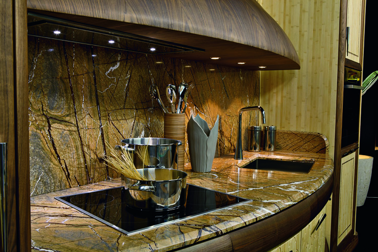 "top cucina in marmo ""Rain forest gold"""